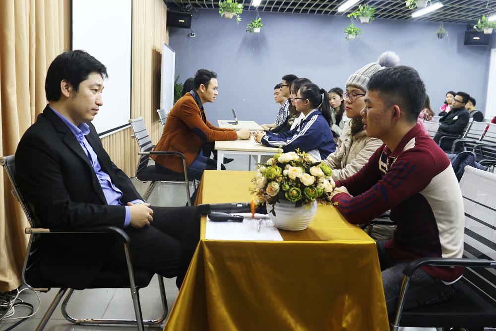 Trải nghiệm phỏng vấn thực tế của các bạn sinh viên trong chương trình chinh phục nhà tuyển dụng