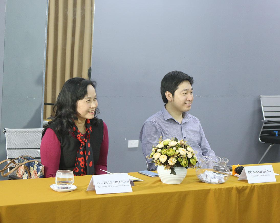 """Ban giám khảo của buổi Lễ tốt nghiệp Khóa học """"Giải pháp Toàn diện S.pro""""."""