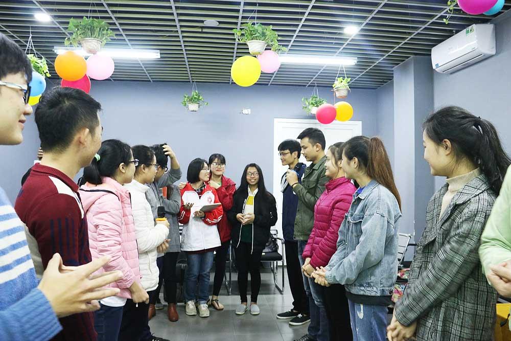 Ngoài bí kíp phong cách phỏng vấn chuyên nghiệp, các bạn học viên còn có thêm nhiều người bạn mới.