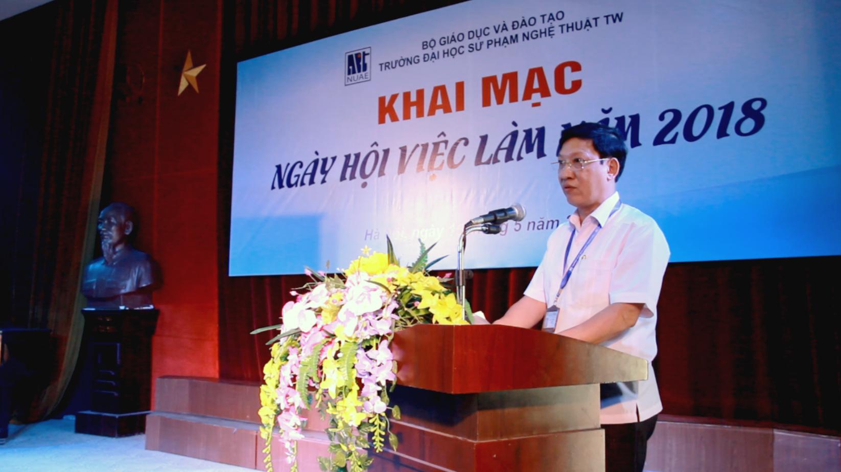 PGS.TS.Đào Đăng Phượng– Hiệu trưởng phát biểu khai mạc Ngày hội việc làm