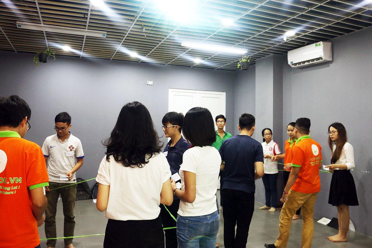 Các thử thách đồng đội thú vị giúp tăng tinh thần đoàn kết khi làm việc nhóm