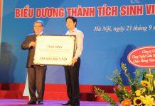 CEO Novaedu - Đỗ Mạnh Hùng trao 110 xuất học bổng Kỹ năng mềm cho Viện trưởng Viện Đại học mở Hà Nội
