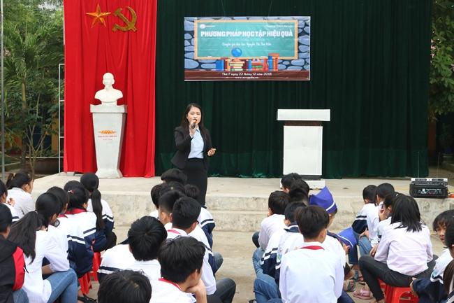Để học tập hiệu quả, chuyên gia Nguyễn Thị Thu Hiền cho rằng các em học sinh phải tập trung vào việc học.