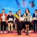 Novaedu trao học bổng cho cuộc thi Ngày hội diễn thuyết.