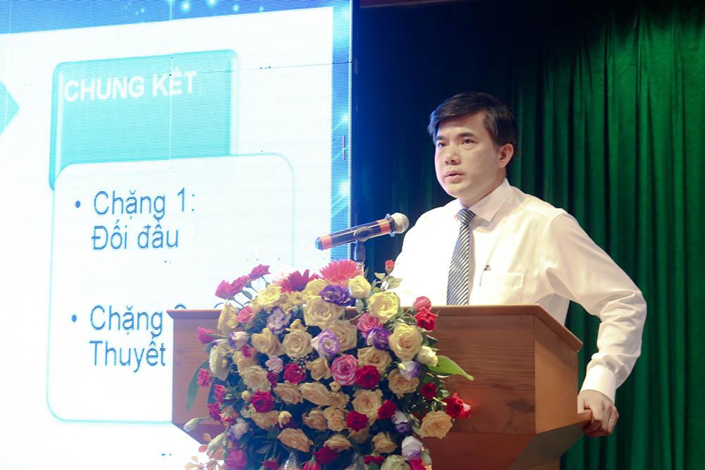 Ông Bùi Duy Linh - Vụ trưởng Vụ Giáo dục và Công tác học sinh sinh viên công bố thể lệ cuộc thi