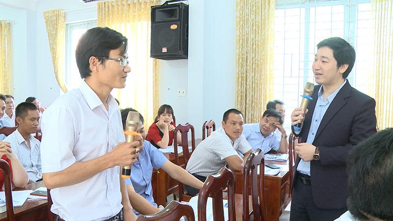 CEO Đỗ Mạnh Hùng nhiệt tình giải đáp câu hỏi về khởi nghiệp