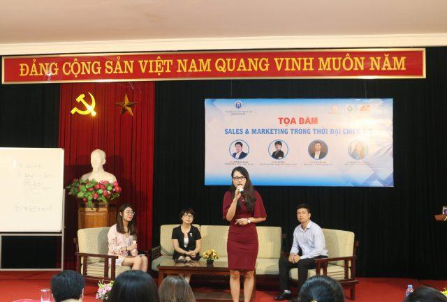 Các khách mời khác chia sẻ tại buổi tọa đàm.