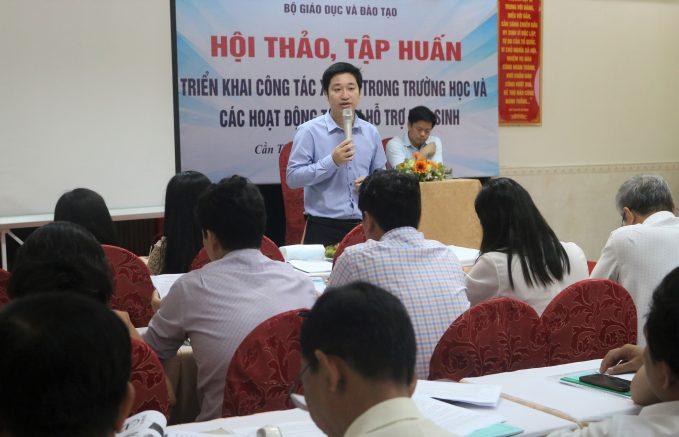 Ông Đỗ Mạnh Hùng - Tổng giám đốc Novaedu chia sẻ tại hội thảo.