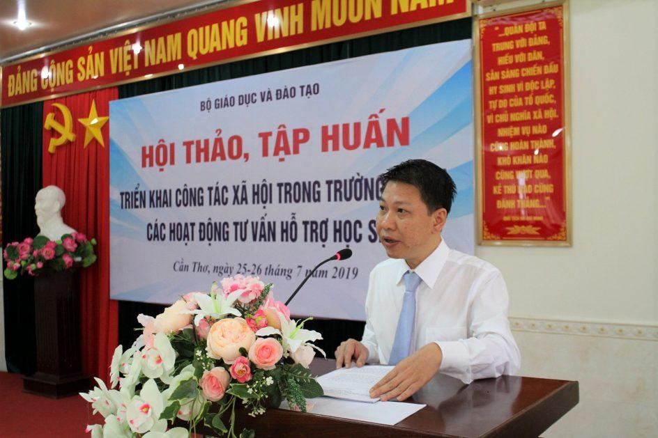 Ông Nguyễn Xuân An Việt - Phó Vụ trưởng Vụ Giáo dục Chính trị và Công tác HS, SV (Bộ GD&ĐT) phát biểu khai mạc