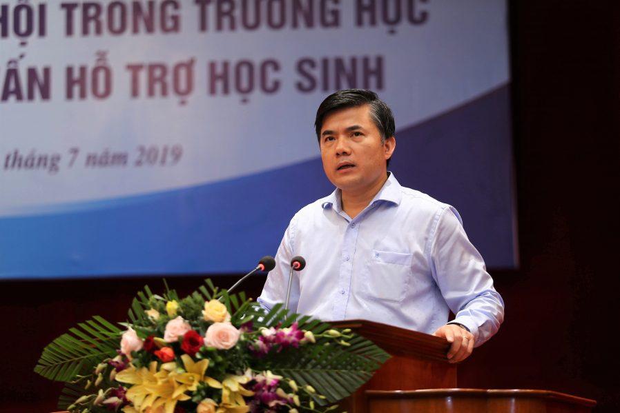 Ông Bùi Văn Linh, Phó Vụ trưởng Phụ trách Vụ Giáo dục chính trị học sinh, sinh viên phát biểu khai mạc hội thảo.