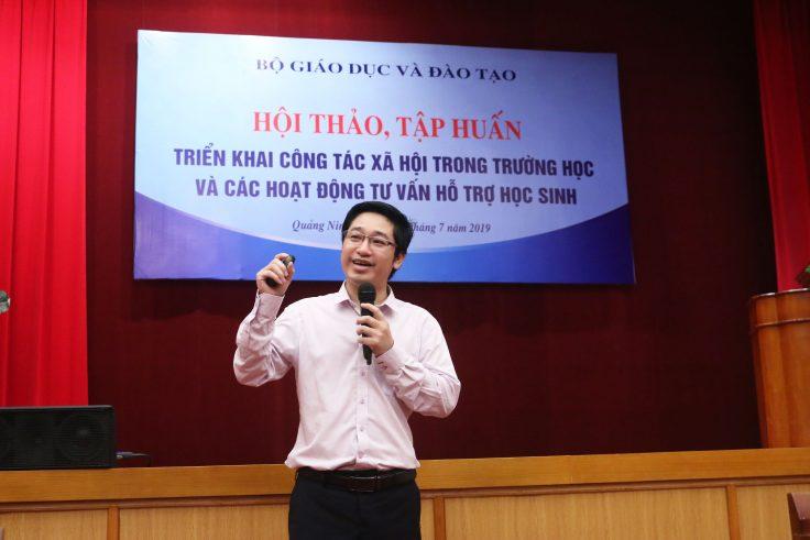 CEO Đỗ Mạnh Hùng - Tổng giám đốc Novaedu chia sẻ về khởi nghiệp ở học sinh.