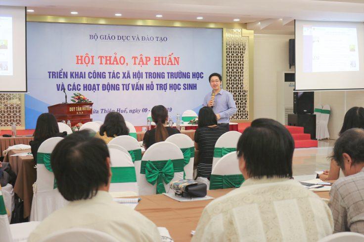 CEO Đỗ Mạnh Hùng (Novaedu) chia sẽ tại buổi hội thảo, tập huấn.