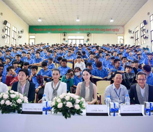 Toàn cảnh hội trường tại Trường Cao đẳng nghê Việt Nam -Singapore