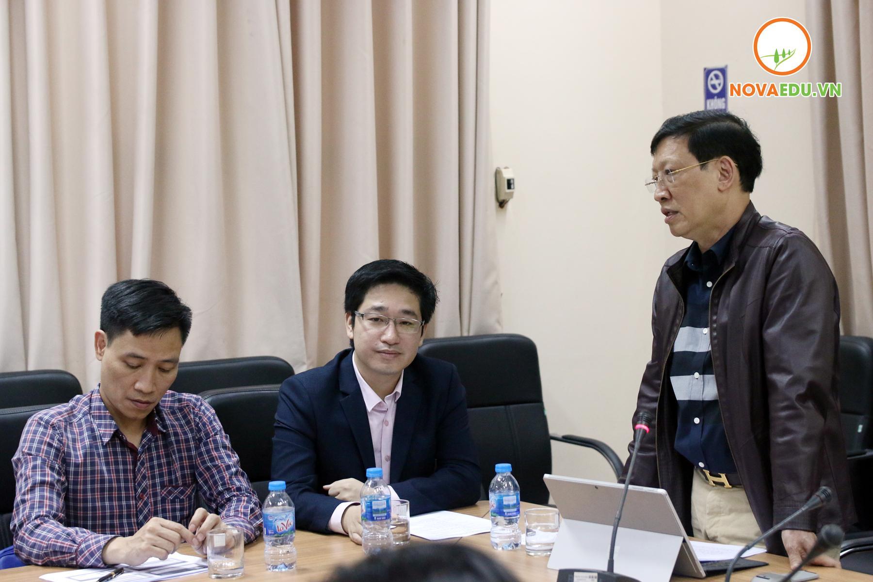 PGS.TS Đào Đăng Phượng - Bí thư Đảng Uỷ, Hiệu trưởng trường ĐH Sư phạm Nghệ Thuật TW phát biểu trước hội nghị